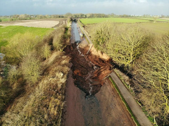 MiddlewichPothole2