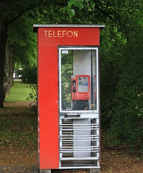 telephone-booth-2613522__340